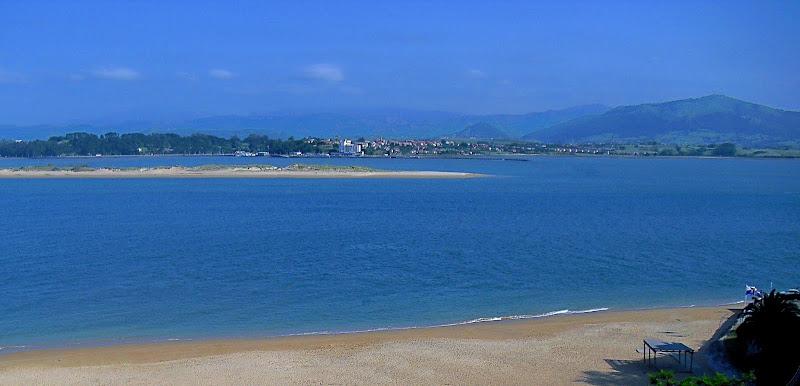 Playa del Puntal desde Reina Victoria en Santander