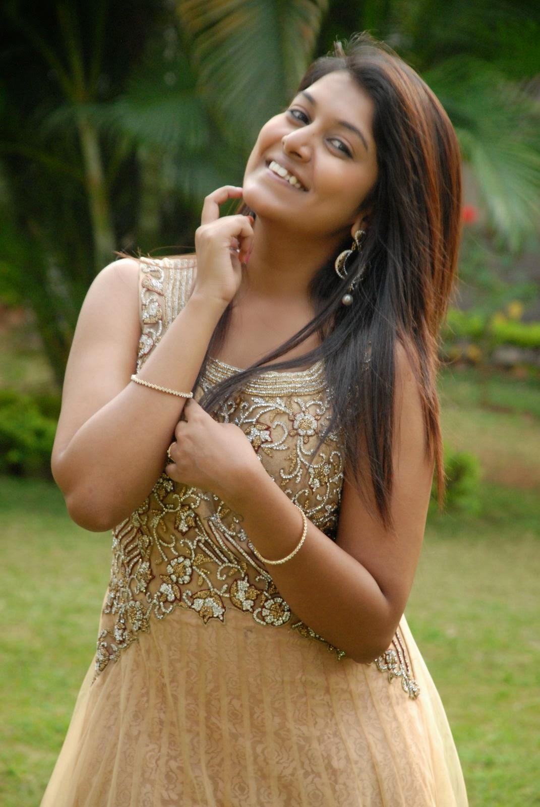 Kavya Kumar Latest Pics in Gown-HQ-Photo-14