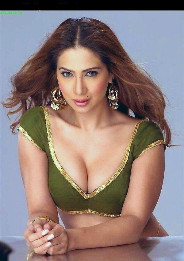 Kim Sharma showing her hot boobs