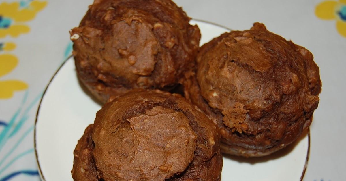 BITS & PIECES: Chocolate Pumpkin Applesauce Muffins