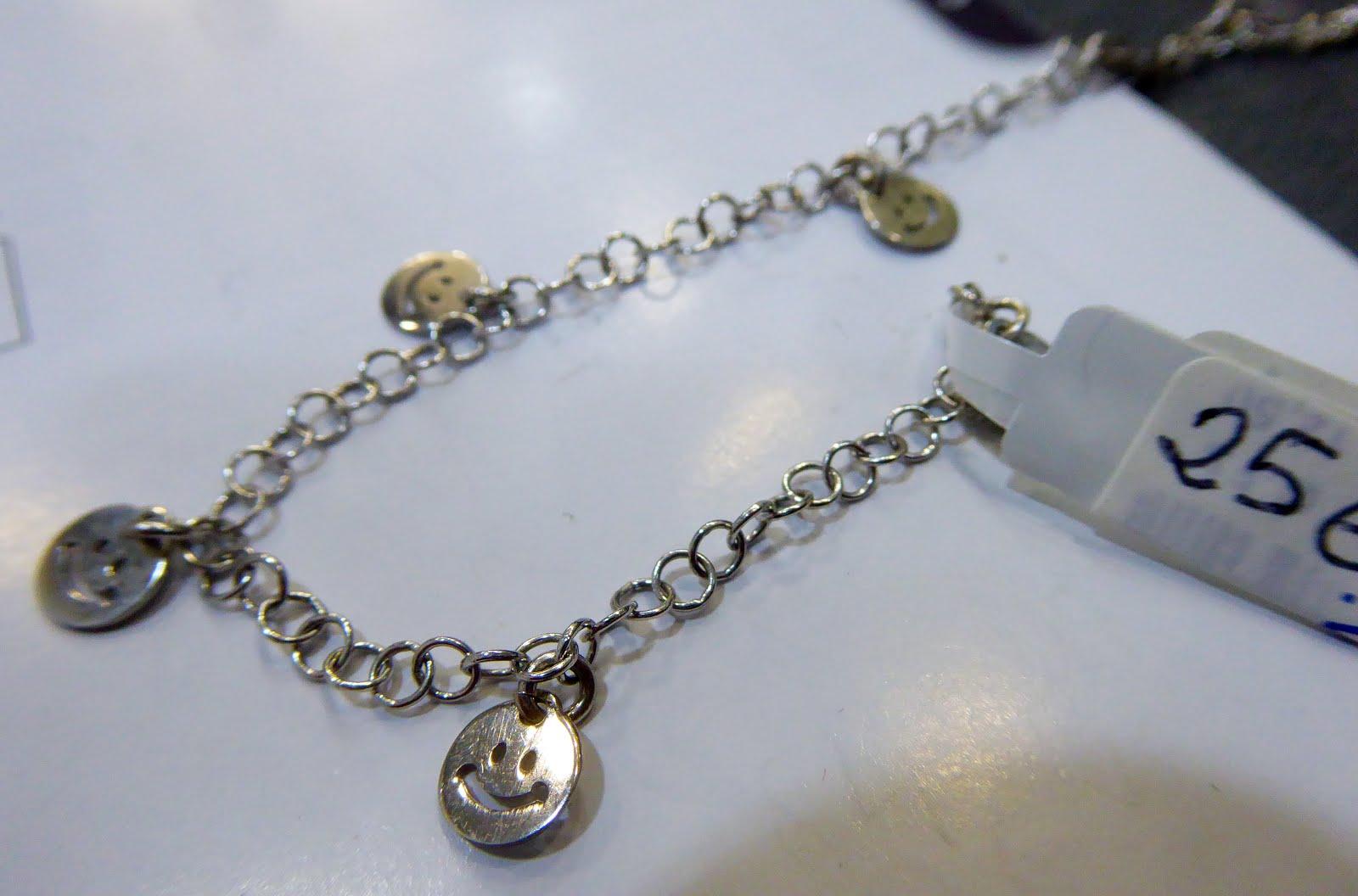 Pulsera de plata con colgantes de emoticones