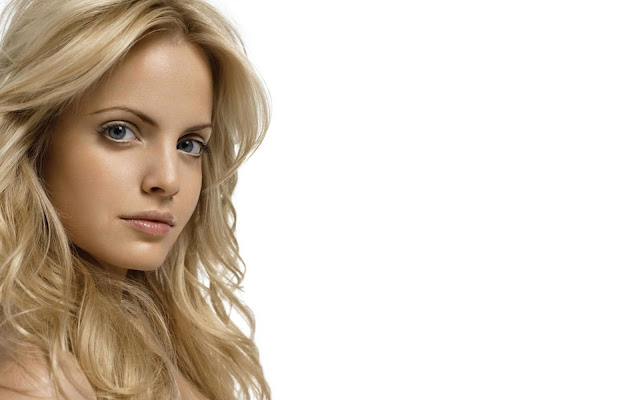 Mena Suvari Female Actress