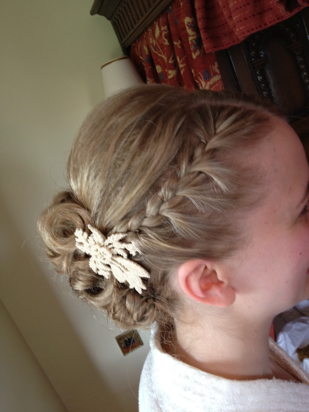 Wedding hair accessories gloucestershire - Sarah S Wedding Hair Styling Stanway House