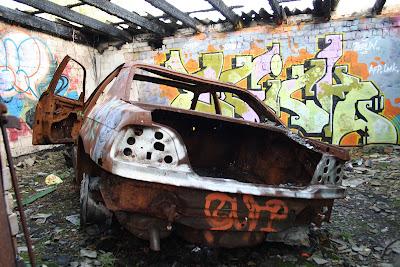 Dépôt de train abandonné Berlin - voiture brûlée