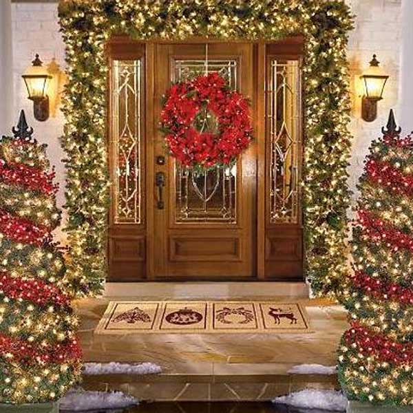 Pictures of christmas door decorating latest fashion 360 for Door decorations for christmas