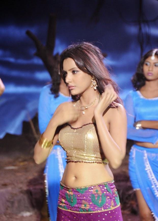 [Image: Priya-Anand-Navel-Show-in-Vai-Raja-Vai-M...ills-7.jpg]
