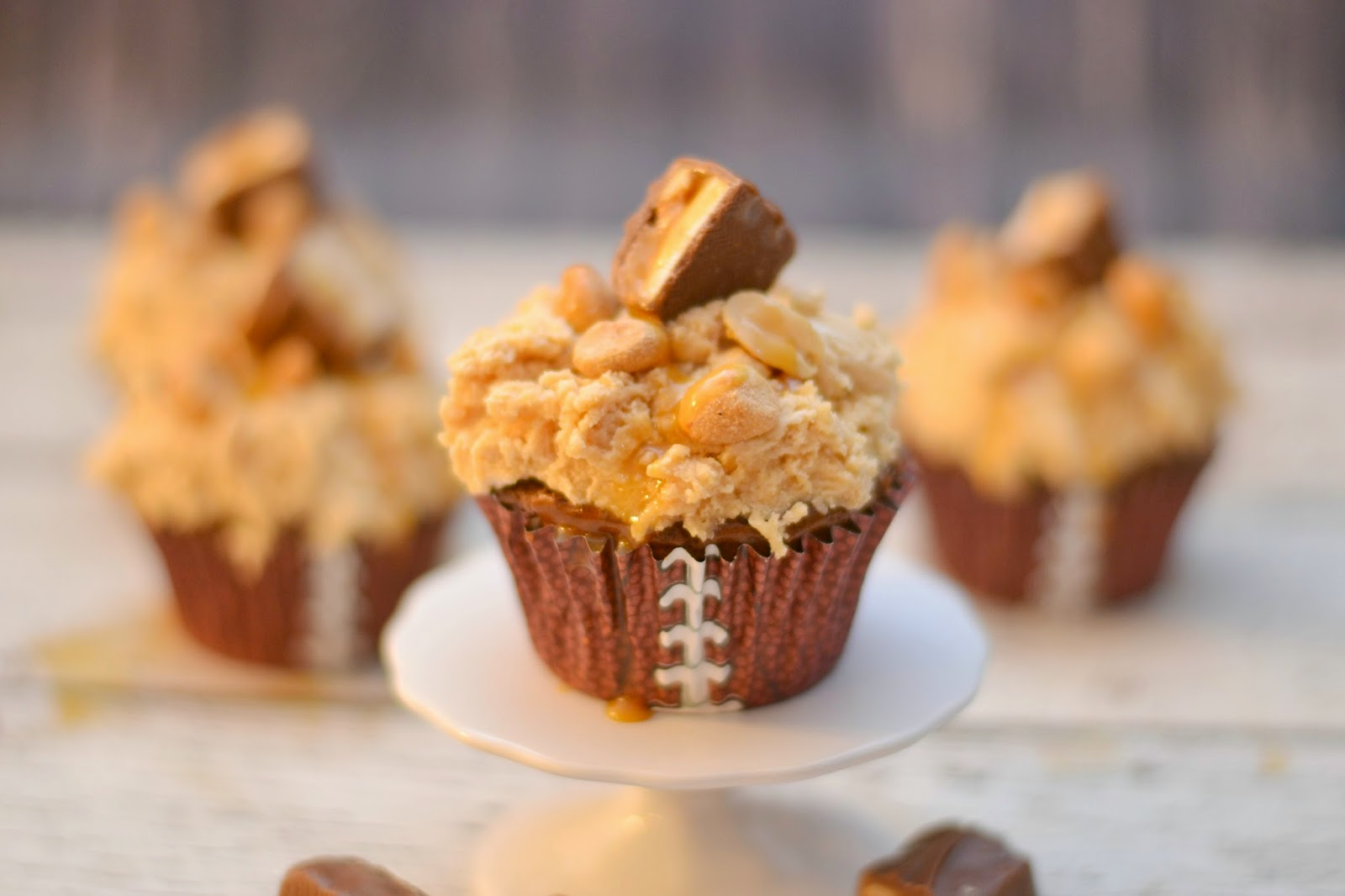 Big Game Treats: Tailgater's SNICKERS® Brownie Cupcakes.  Skittles® Rice Krispie Treats.  Super Bowl Desserts.  Brownie Cupcake Recipes.  Dessert Recipes