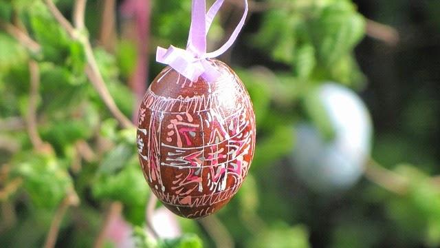 ... couture et déguisements: Pour Pâques, fabriquer un arbre aux oeufs