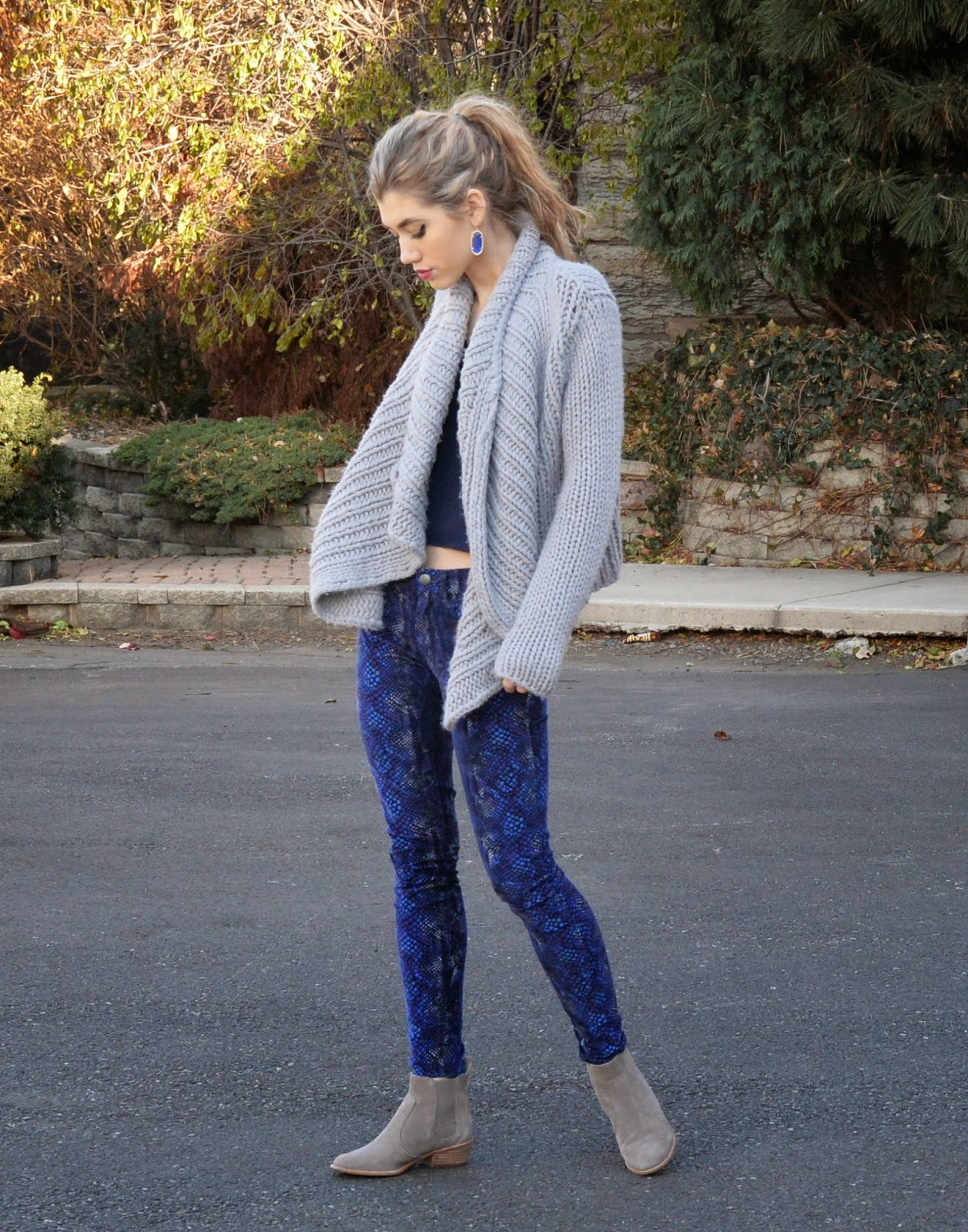 fall style, sweater, cords, grey and blue, fashion