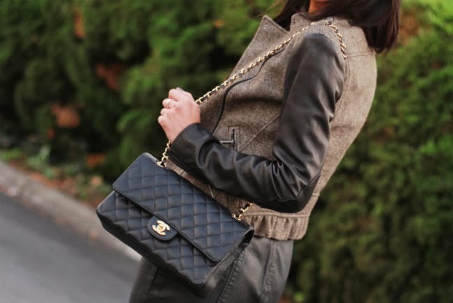 chanel black caviar classic flap handbag bag
