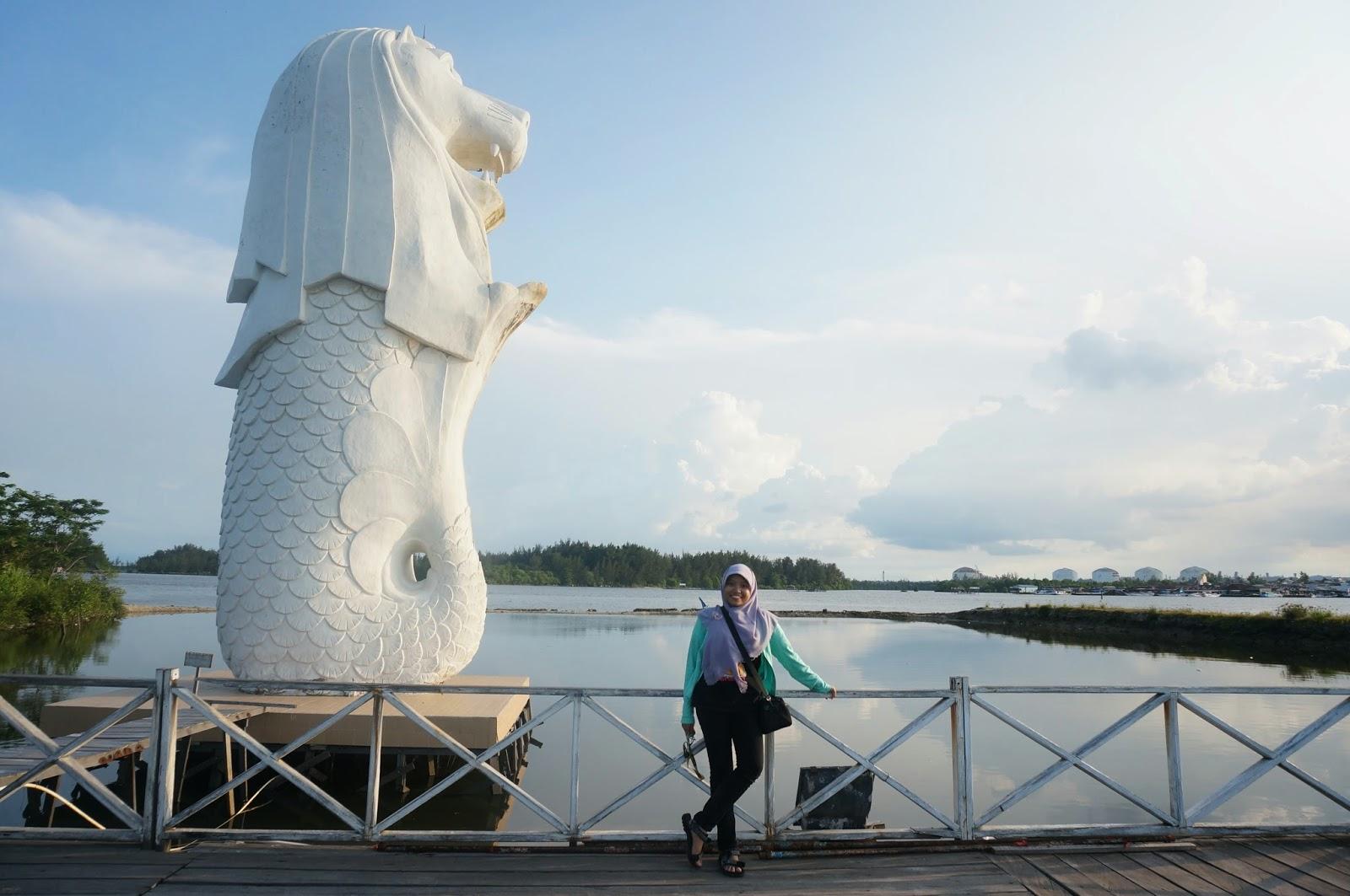 Wisata ala luar negeri di Indonesia - patung Merlion di Bontang, Kaltim