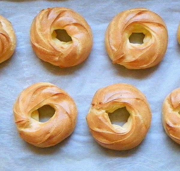 baked cruller