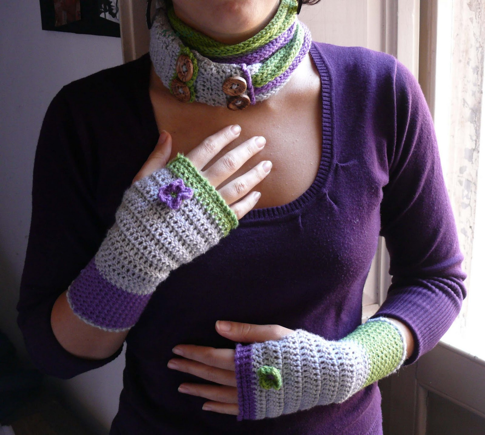 Scaldacollo e guanti viola e verdi Scaldacollo+e+guanti+viola%2526verde_F-+firma
