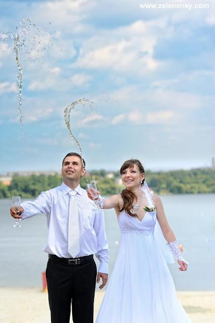 Літаюче шампанське весільне фото Юри Зелененького
