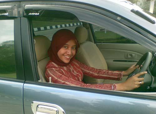 ... org - Situs Otomotif No. 1: Belajar Nyetir Mobil Matic Tips Mengemudi