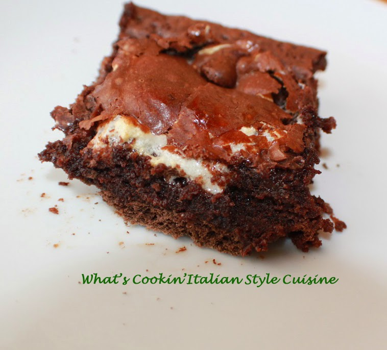 What's Cookin' Italian Style Cuisine: S'mores Stuffed Brownie Vid...