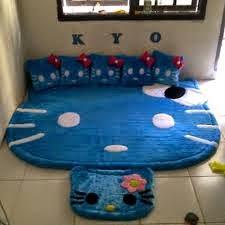 gambar karpet berkarakter hello kitty biru