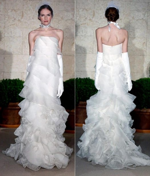 Welcome to ebony ville 39 s blog 07 31 12 for Wedding dresses with dramatic backs