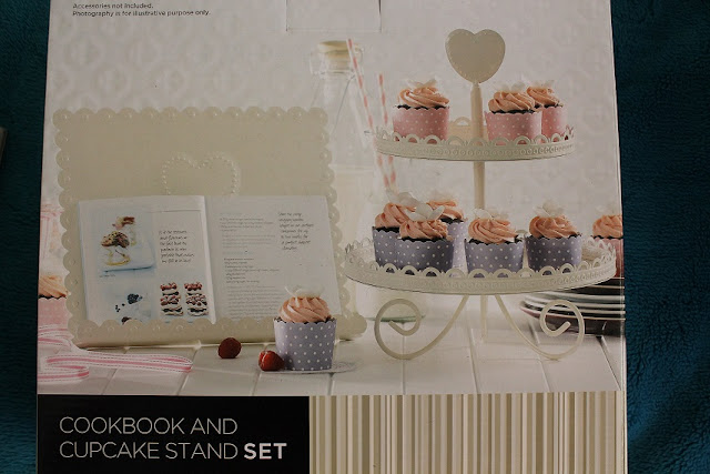 PRE-ORDER CORELLE.. NEW: COOKBOOK AND CUPCAKE STAND SET!!!