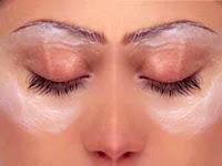 عشر نصائح عملية للتخلص من انتفاخ الجفون ومنطقة تحت العين