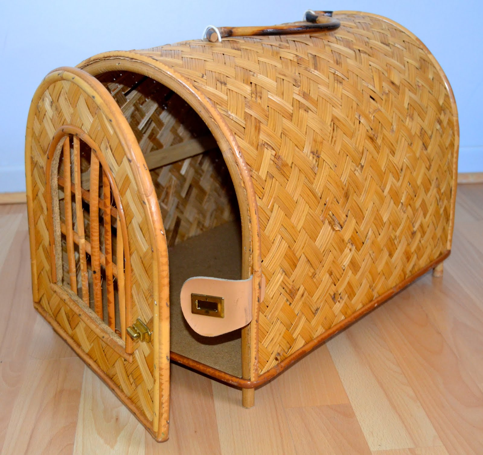 Panier De Transport En Osier Pour Chat : Vintage lifestyle concept store panier de transport pour