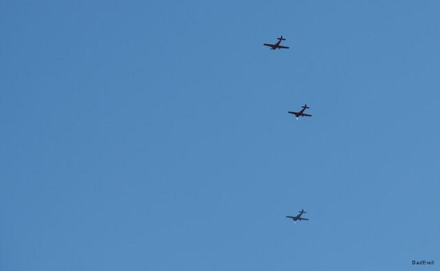 Trois avions dans le ciel d'Half Moon Bay