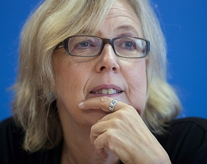 Elizabeth May, 14-09-21, Ottawa, by Adrian Wyld.