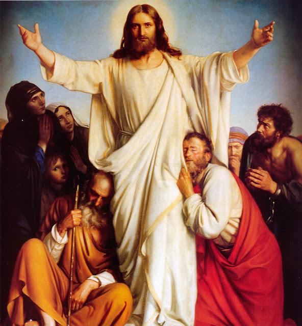Jesus de braços abertos em meio a multidão de humildes