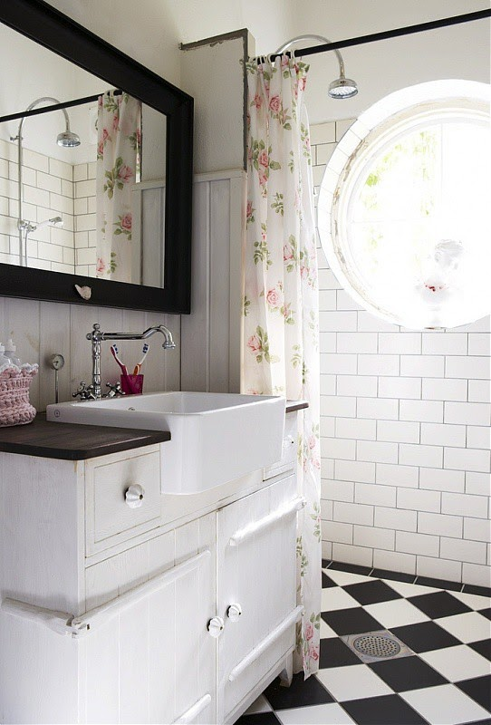 Black and white marble bathroom floor : To da loos bathroom checkered chess floors