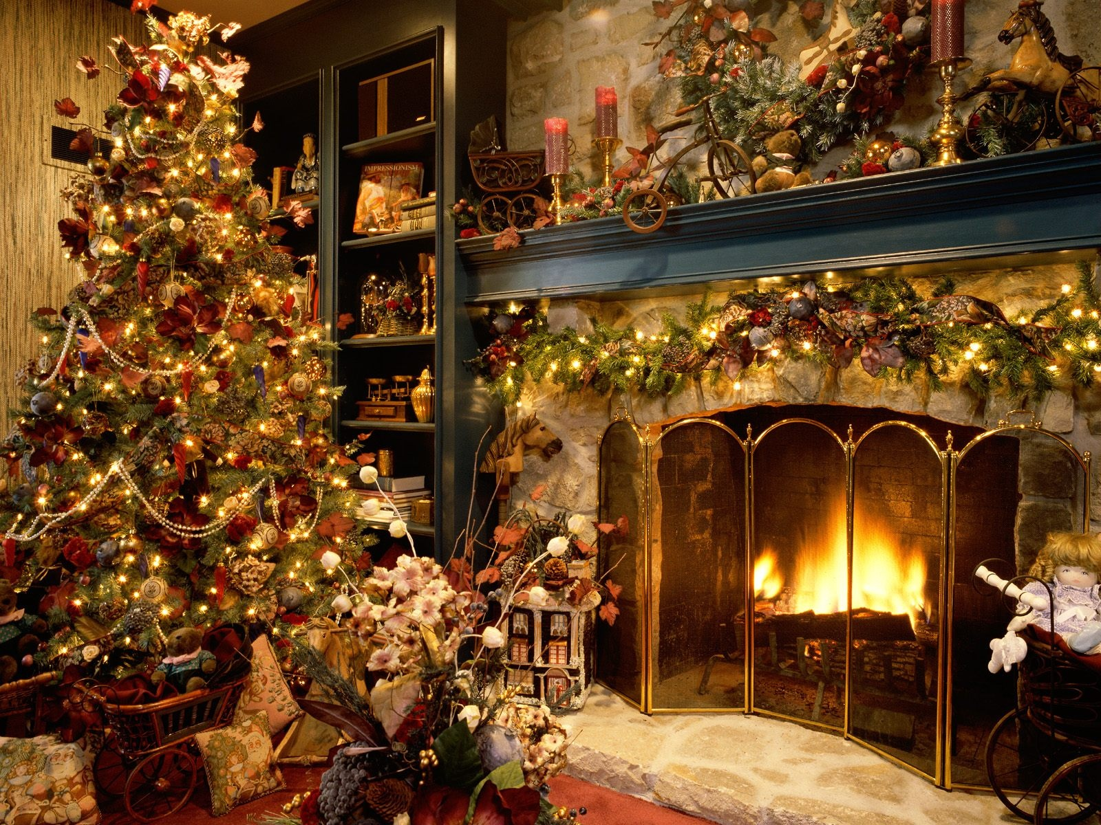 Christmas decoration wallpapers cool christian wallpapers for Beautiful wallpaper home decor