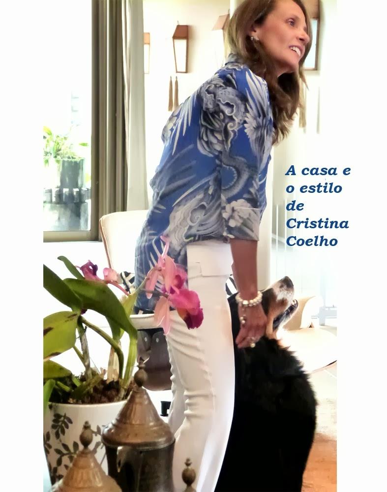 Para conhecer a casa e o estilo de Cristina Coelho, clique na imagem