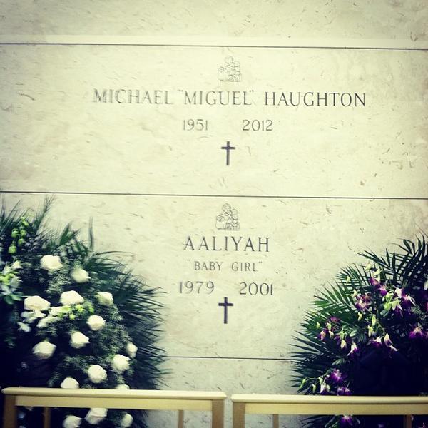 Aaliyah gravesite singer aaliyah s dad died