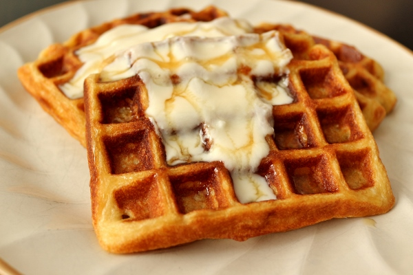 Yogurt Waffles with Honey Cream