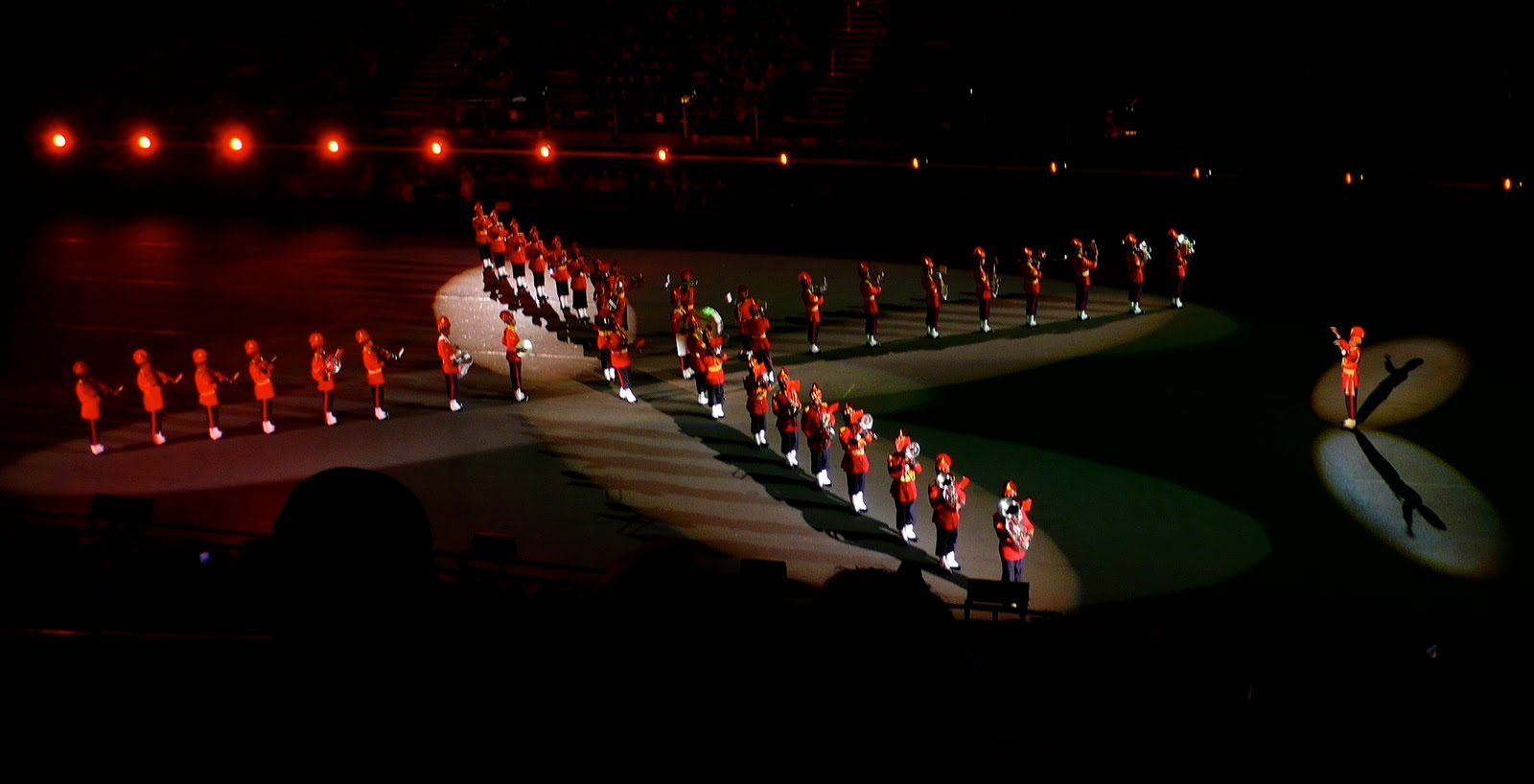 http://1.bp.blogspot.com/-JD2nNfS65dc/TeHjlXLj7MI/AAAAAAAAA9U/_86riJD6u9Y/s1600/Indian_Army_marching_band-2.jpg