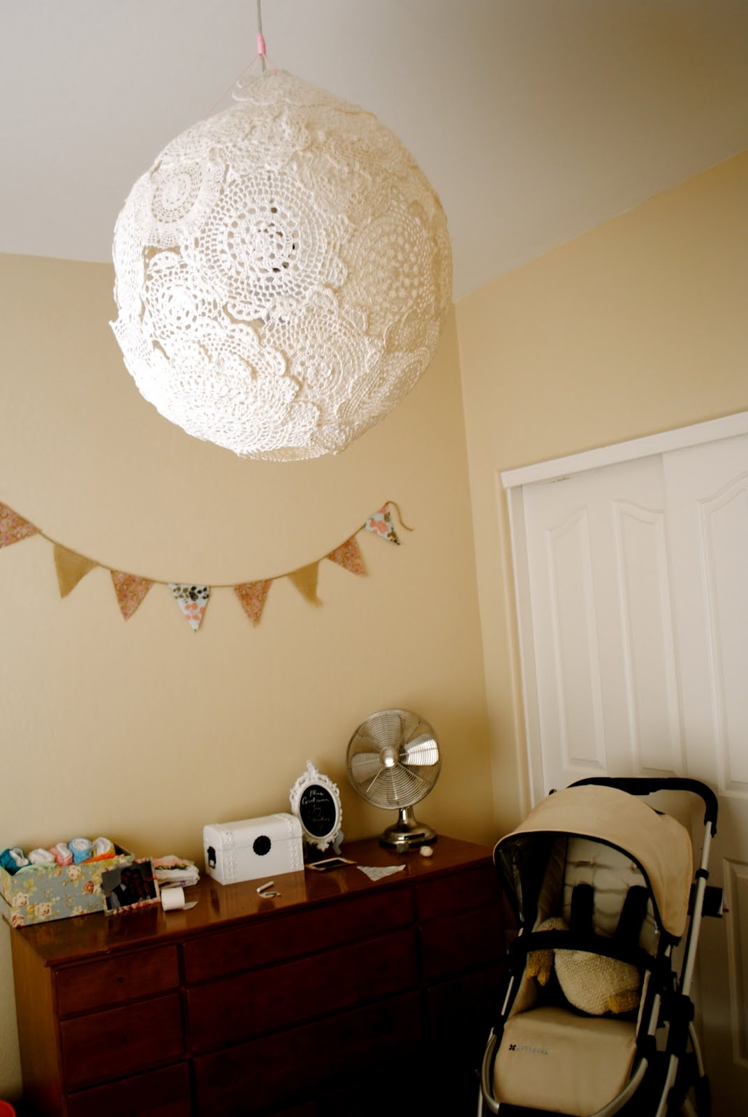 The johnstons diy doily lamp arubaitofo Images
