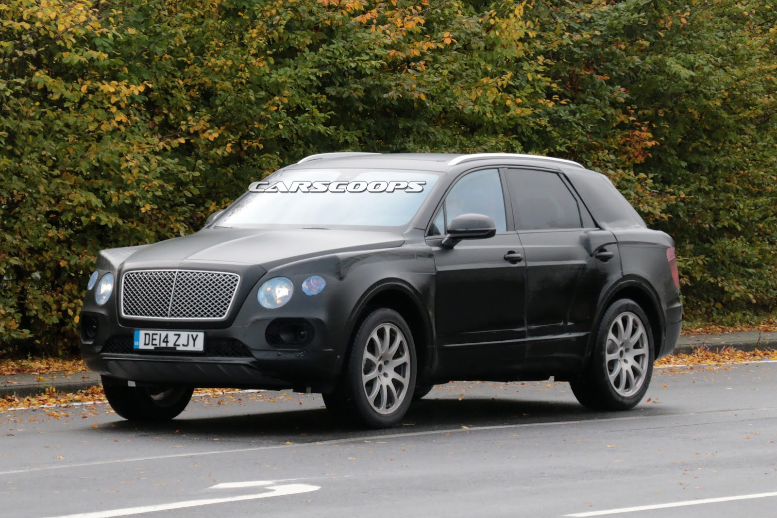 bentley 39 s 2017 suv spied testing with 6 0 liter w12 engine. Black Bedroom Furniture Sets. Home Design Ideas