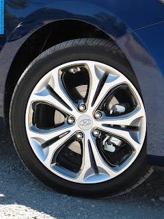 Hyundai elantra car 2013 tyres/wheel - صور اطارات سيارة هيونداى النترا 2013