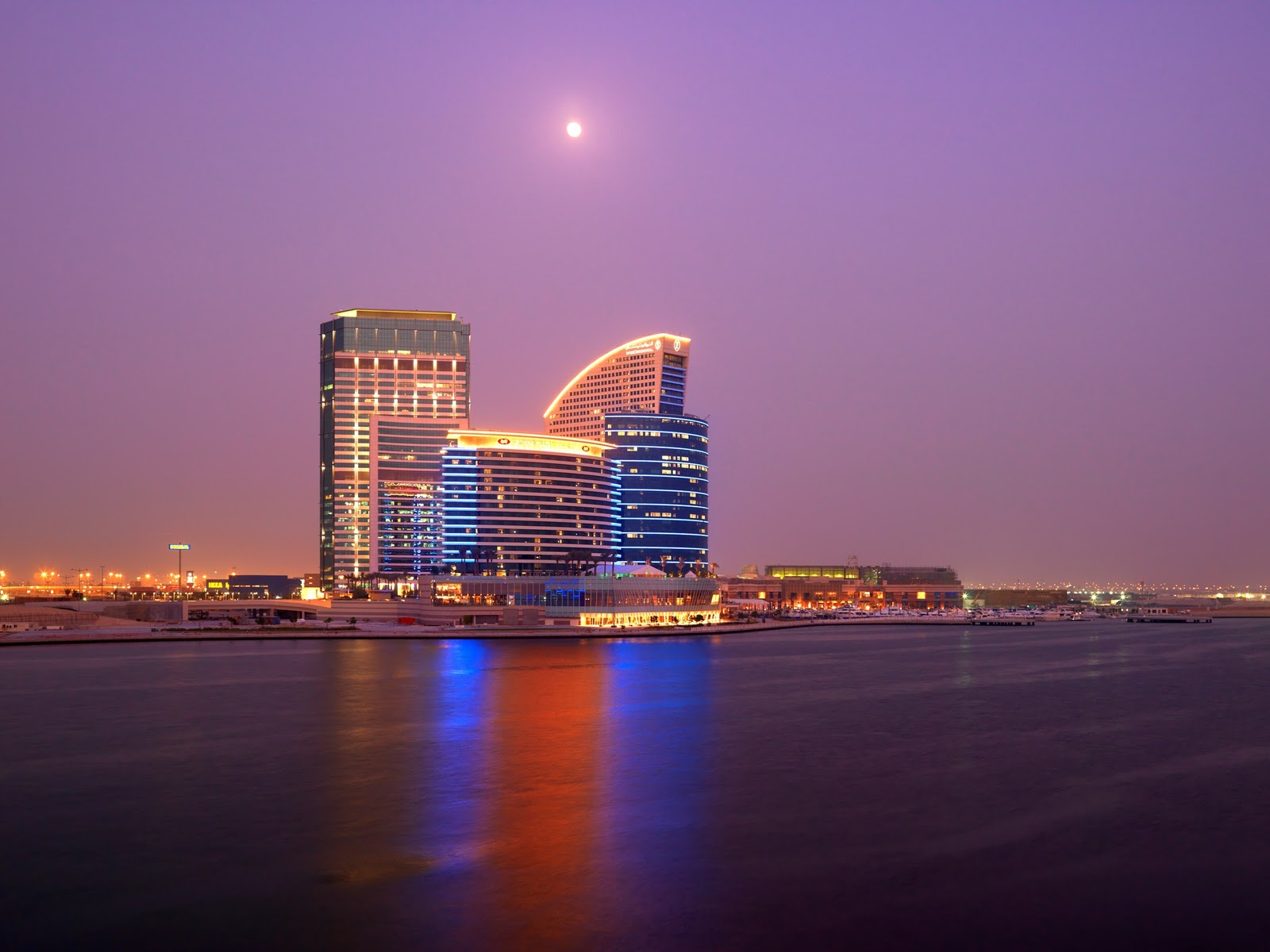 Luxury hotels in dubai wonderful for Hip hotel dubai