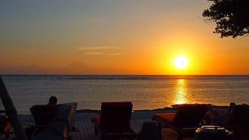 sunrise di gili trawangan, keindahan guili trawangan, pantai di gili trawangan, pulau gili trawangan, gili trawangan lombok