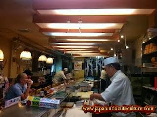 restoran sekaligus pabrik ikan di jepang