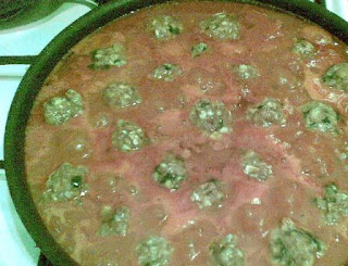 The meat balls in the tomato sauce