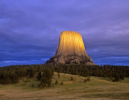Devils tower national monument facts about all for Facts about the monument