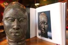Galeria Scenarium homenageia Dia da Consciência Negra  com exposição de fotografias e de arte africana