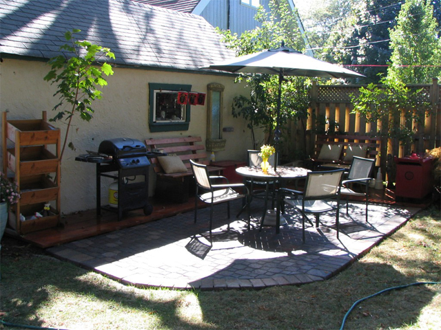 Backyard Landscape Ideas With No Grass : Landscaping area ideas to fix a boring backyard