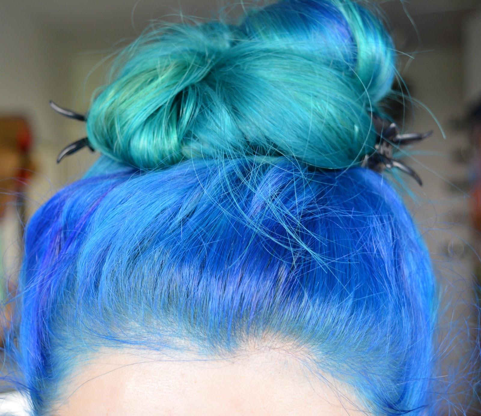 Mittwochs Mag Ich Blaue Haare Frau Ausverkauft
