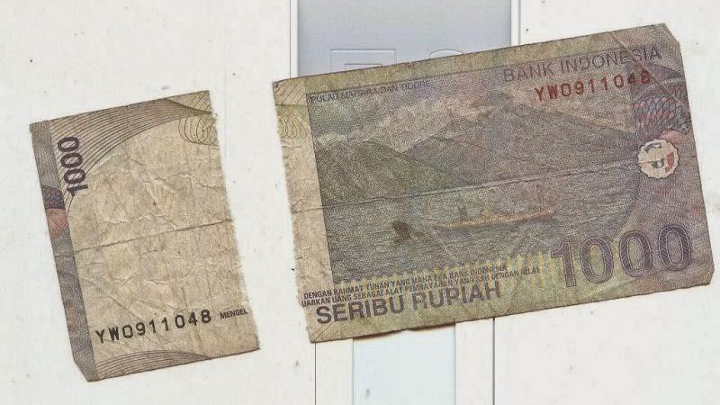 gambar uang diisolasi