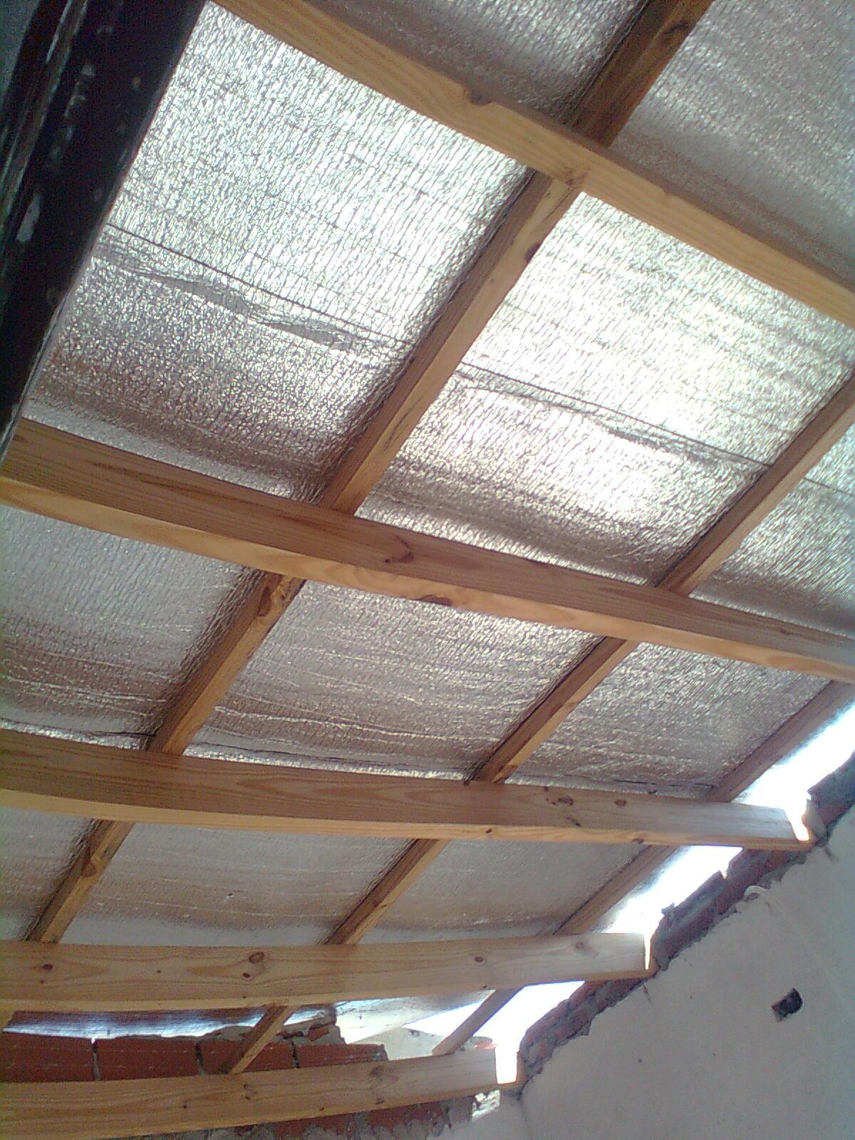 Construye y reforma colocacion techo de chapa con aislante termico y acustico - Madera aislante termico ...