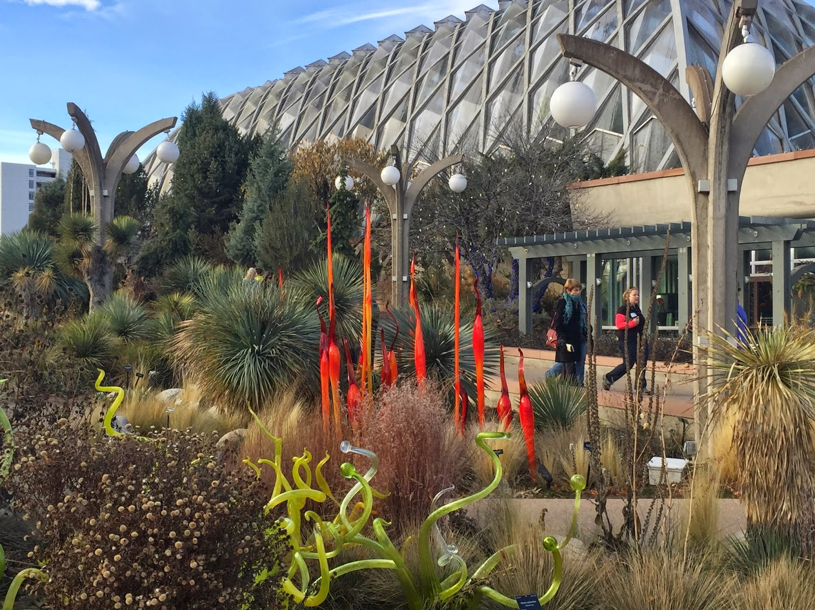 Marvelous Chihulyu0027s Garden Cycle Exhibits Were Originally Located In Glass  Conservatories Of Botanical Gardens, So Some Of The Glass Was Found In The  Conservatory As ...