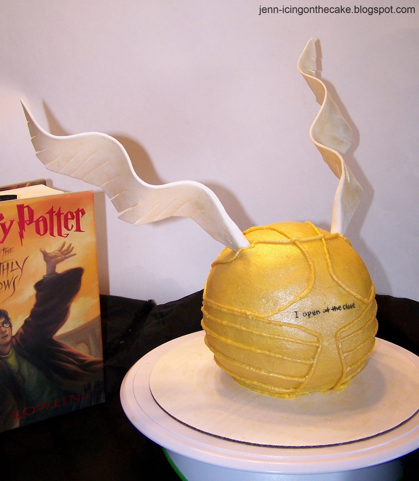 how to put a chocolate frog harry potter together
