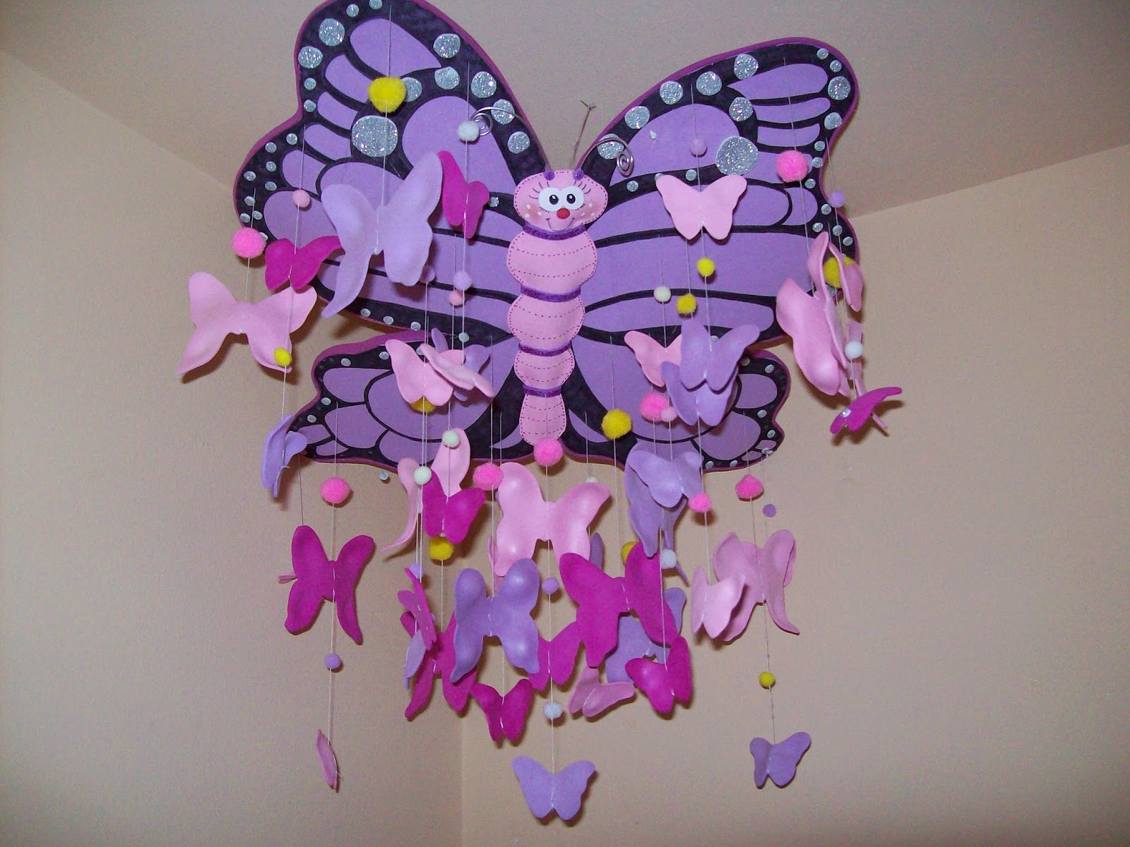 Pensamientos manualidades y mas mariposa de goma eva - Mariposas goma eva ...